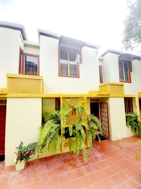 Upgraded Townhouse for sale / rent