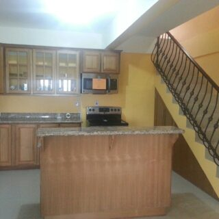 Lady Chancellor Hill Townhouse For Rent