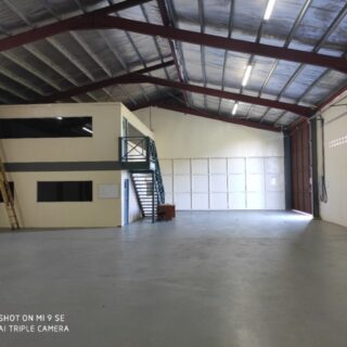 Warehouse with offices for rent in Chaguanas