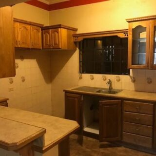 FOR RENT – Cypress Avenue, Coconut Drive, Cross Crossing, San Fernando – Townhouse close to all amenities