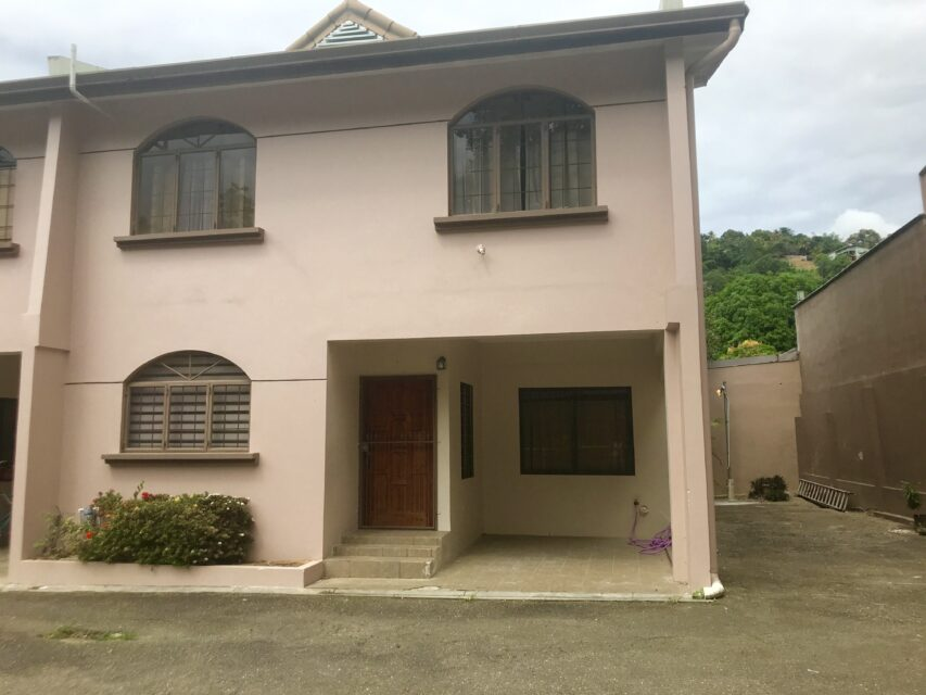 3 BEDROOM, 2 AND 1/2 BATHROOM TOWNHOUSE FOR RENT-SEMI-FURNISHED