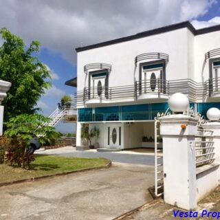 4 Bedroom Townhouse – San Fernando