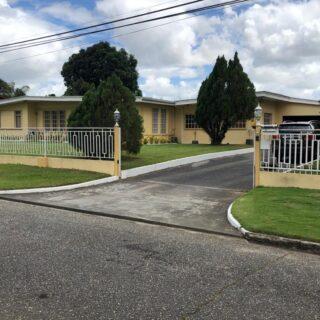 HOUSE FOR SALE ON 20,115SF VALSAYN $8.5M