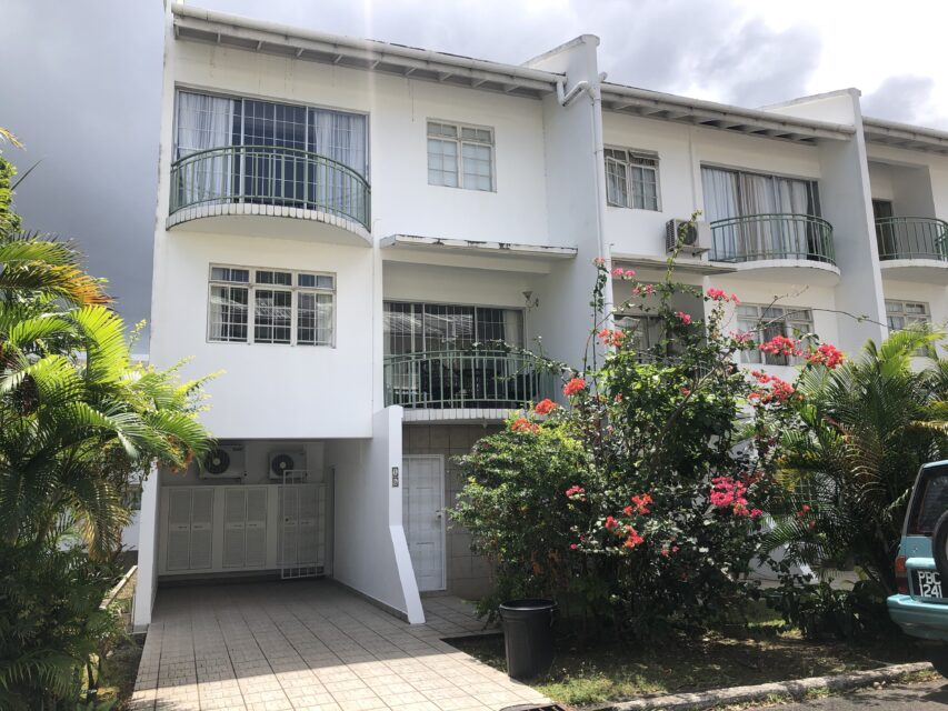FOR RENT –La Reine Court, Flagstaff, Long Circular Road, St James – Spacious 3 bedroom in serene compound