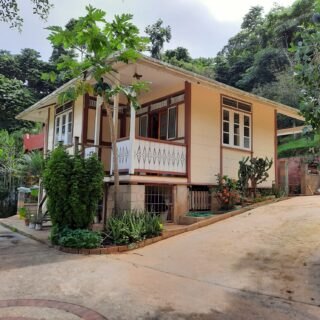 6 ACRES OF HOUSE AND LAND FOR SALE