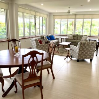 BEAUTIFULLY FURNISHED, EXECUTIVE 1 BEDROOM APARTMENT FOR RENT