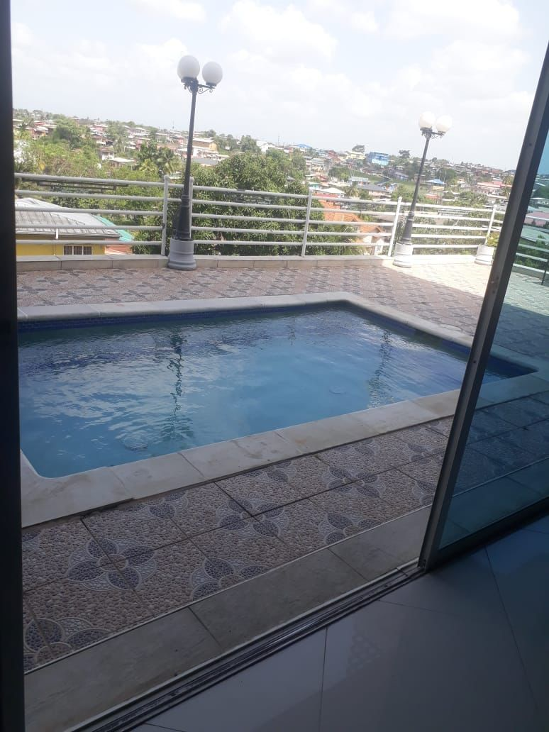 EXECUTIVE TOWNHOUSE FOR RENT SAN FERNANDO