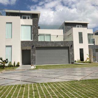 Veccio Villas, Bel Air