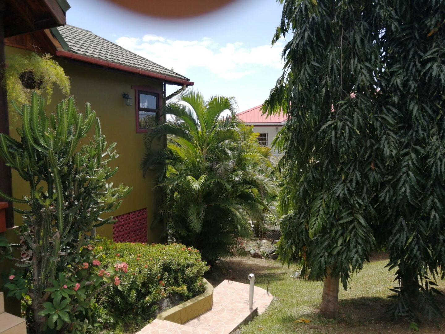 EXECUTIVE HOME FOR SALE AT SIGNAL HILL, TOBAGO
