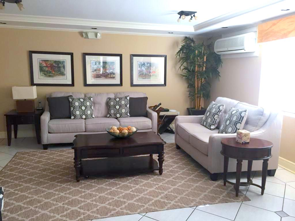 Bayside Towers Apartment for Rent
