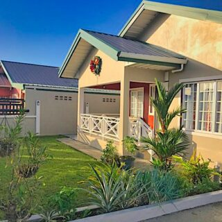 FOR SALE – Oasis Greens, Endeavour, Chaguanas – Executive 3 bedroom house on 7,000sf land
