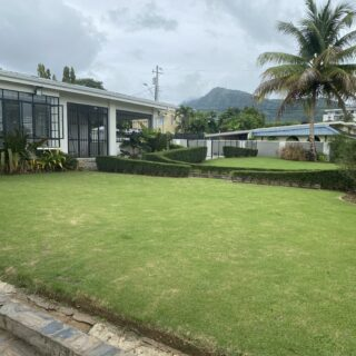 Sunset Drive, Bayshore – FOR RENT