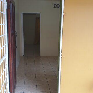 Spacious 1 bedroom Apartment inside Chuma Monka Ave, Petit Valley