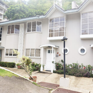 Apartment For Sale in St. James