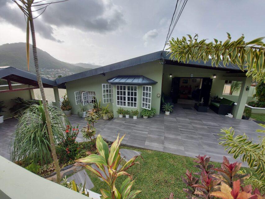 Alyce Glen House for Sale $3.65M