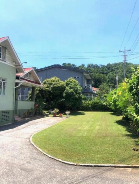 Mixed commercial and residential usage in Sydenham Ave, St Ann's for Rent, Front only $12,000 Back only $6,000