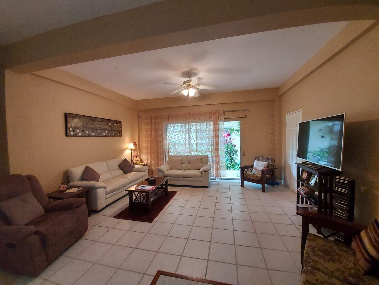 Haleland Park Gated 2 bed 1  bath  apartment $1.395 M