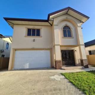 House for sale 3,400,000