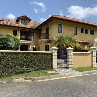 Moka, Maraval House – FOR RENT