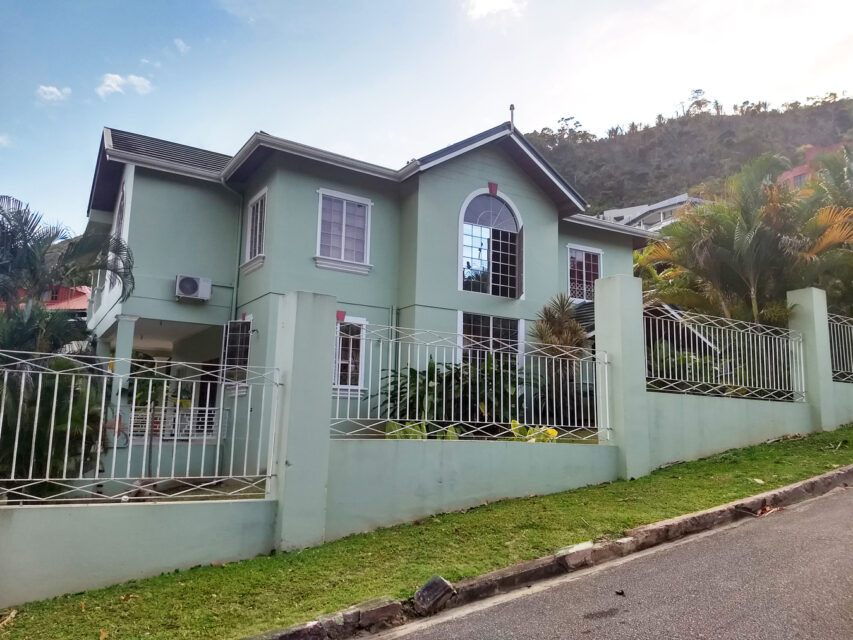 House For Sale/Rent in Glencoe