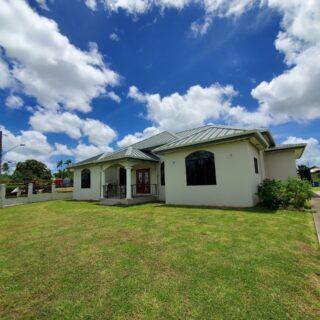 Modern home for rent – Freeport