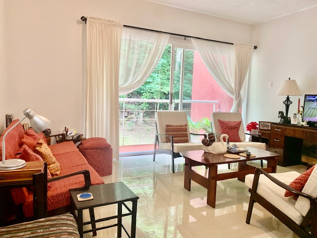 West Hills, Petit Valley Apartment for Sale