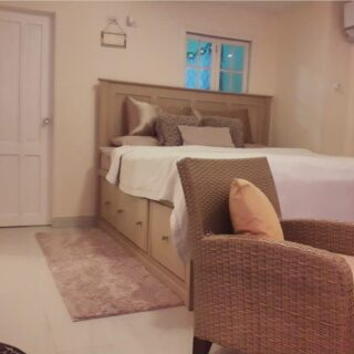 DIAMOND VALE HOUSE FOR RENT- 2 bedroom PLUS HOME OFFICE