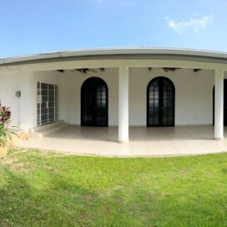 FOR RENT – CHARMING UPGRADED SINGLE STOREY HOME LOCATED AT REGENTS DRIVE WEST, WESTMOORINGS