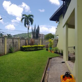 Cozy, ground floor, 2 bedrooms, 1 bath, partially furnished Petit Valley unit for rent.