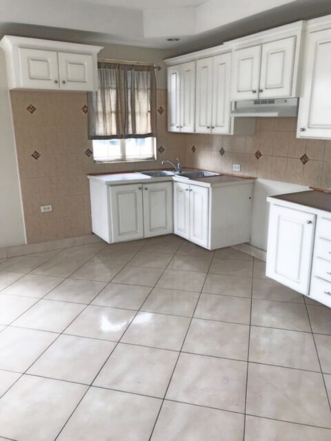 One Bedroom Apartment – Petit Valley
