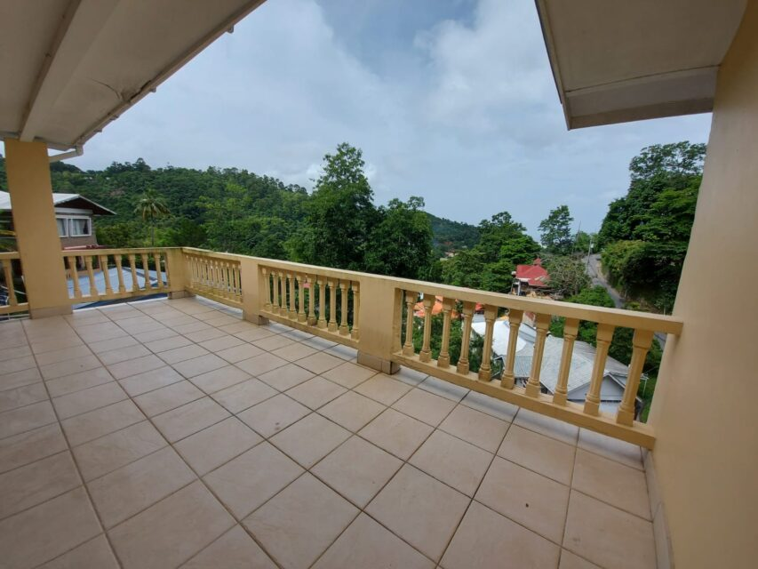 CASCADE 3 BEDROOM APARTMENT WITH VIEW