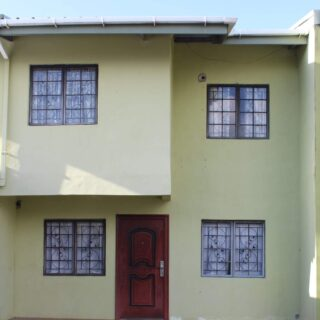 FOR RENT: CLEAVER HEIGHTS, ARIMA 3 BEDROOM TOWNHOUSE.