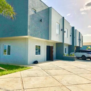 Affordable Luxury Townhouse, 3 Bedroom, 2.5 Bath, Gated Community