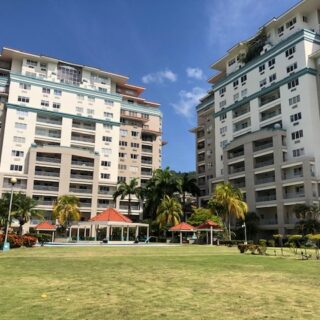 Modern & Executive Bayside Towers Apartment 2 Bed 2.5 Bath