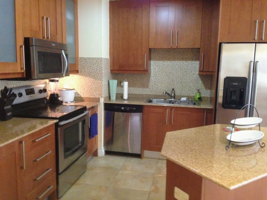Cozy One Woodbrook Place Apartment 3 Bed 2.5 Bath