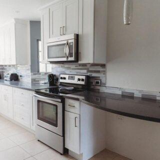 LA BELLE HORQUETTE, GLENCOE : For Rent TTD7500