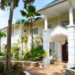 Majestic Ellerslie Park Mansion 5 Bed 7 Bath