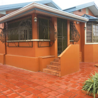 House For Sale/Rent in Woodbrook